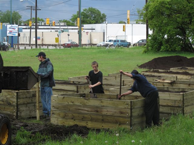 Do you want a FREE Garden Box? Apply today! | Chalmers Neighbourhood ...